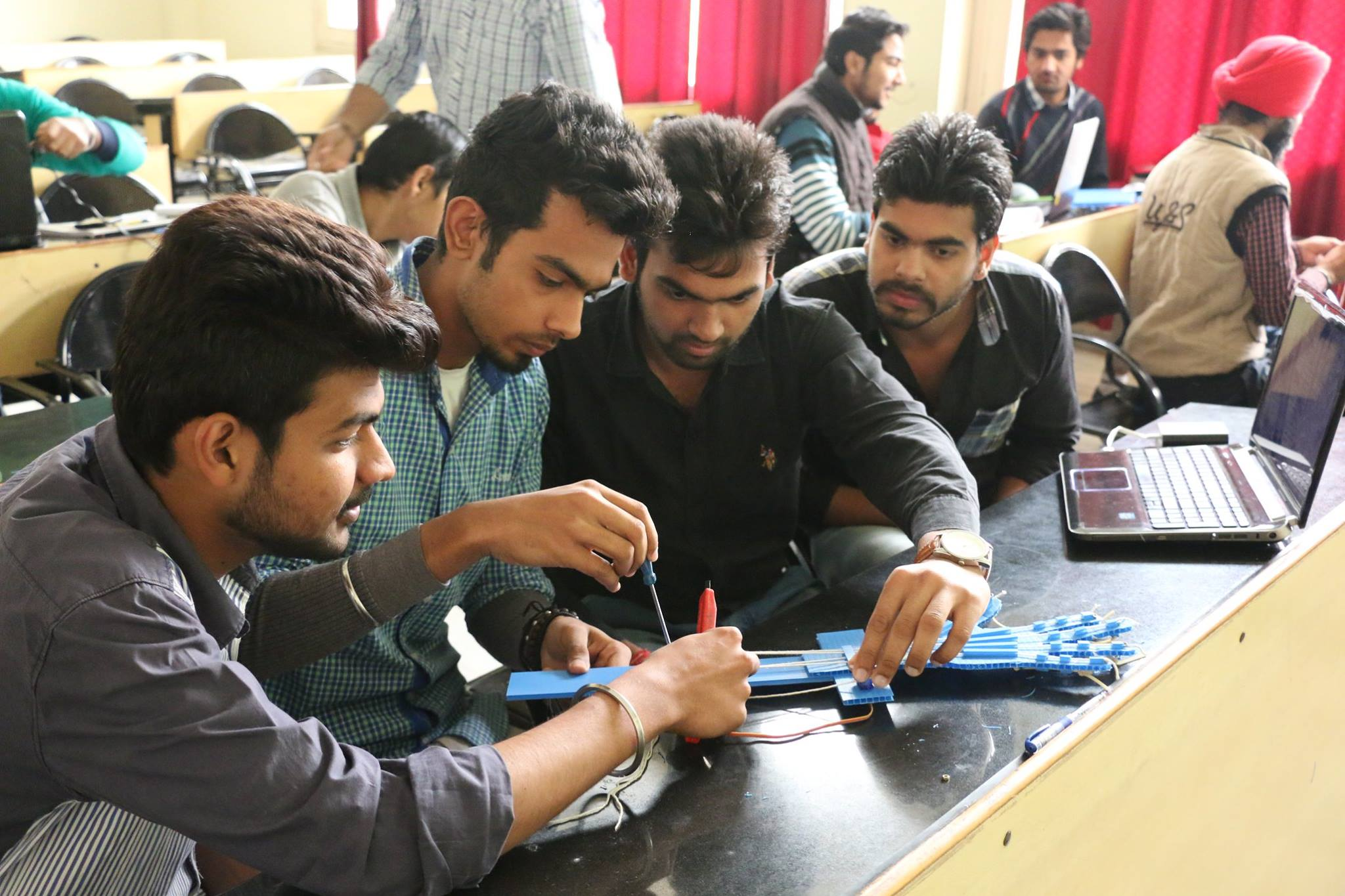 Engineering projects on latest technologies interest students.