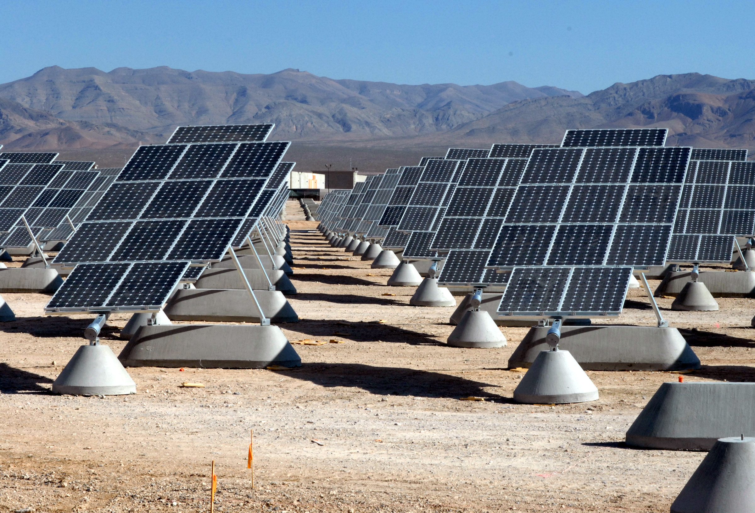 Nellis Airforce, Nevada using Solar Power