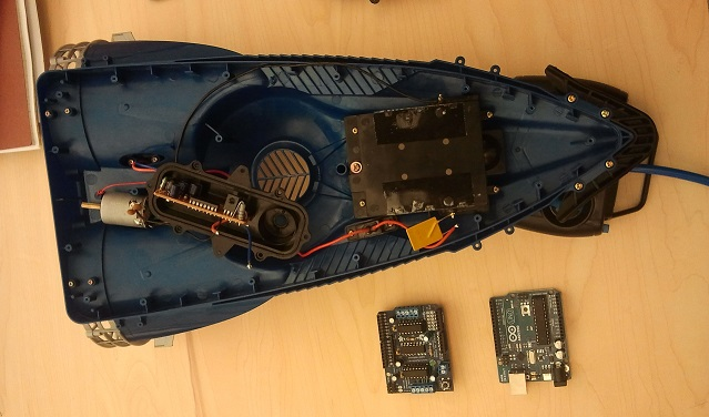 RC Hovercraft using Arduino