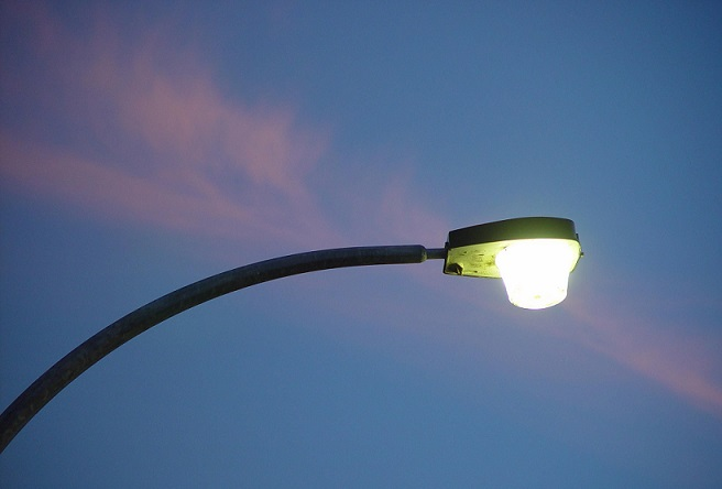 Automatic-Street-Light-Controller