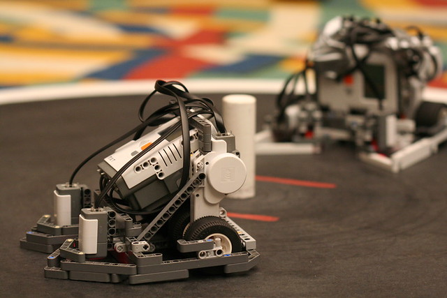 Computer vision based self-recharging robot