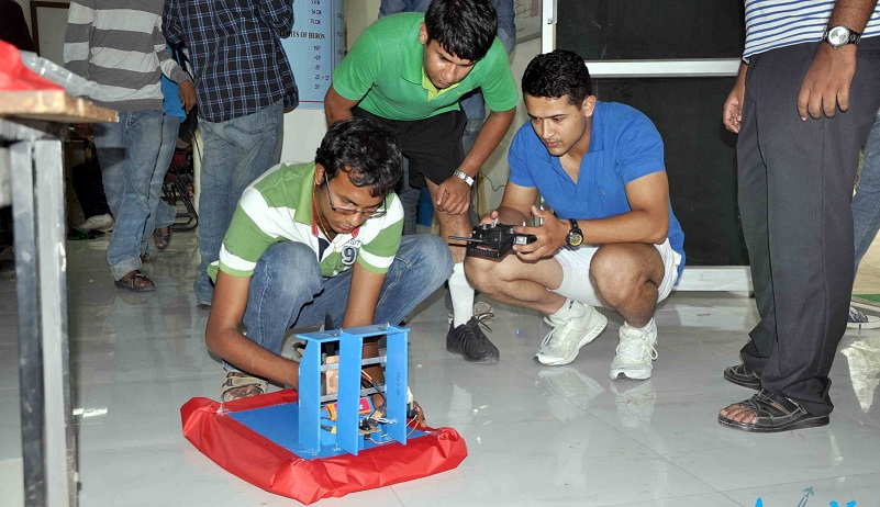 Hovercraft Workshop for Mechanical Engineering Students