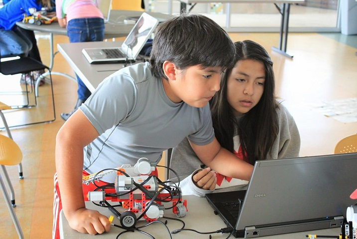 Top robotics classes for kids and teens in Abu dhabi